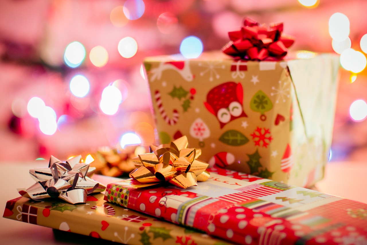 Deals Tech Gifts Header Image