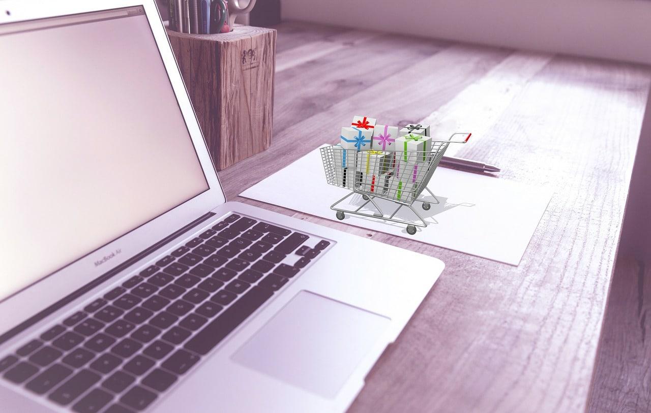 Optimize E-Commerce Holiday Season Header Image