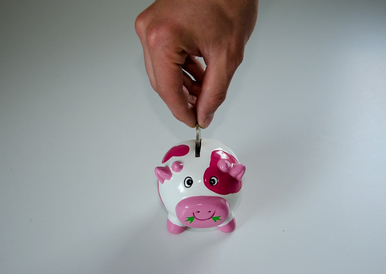 5 Simple Ways To Save Money Every Day