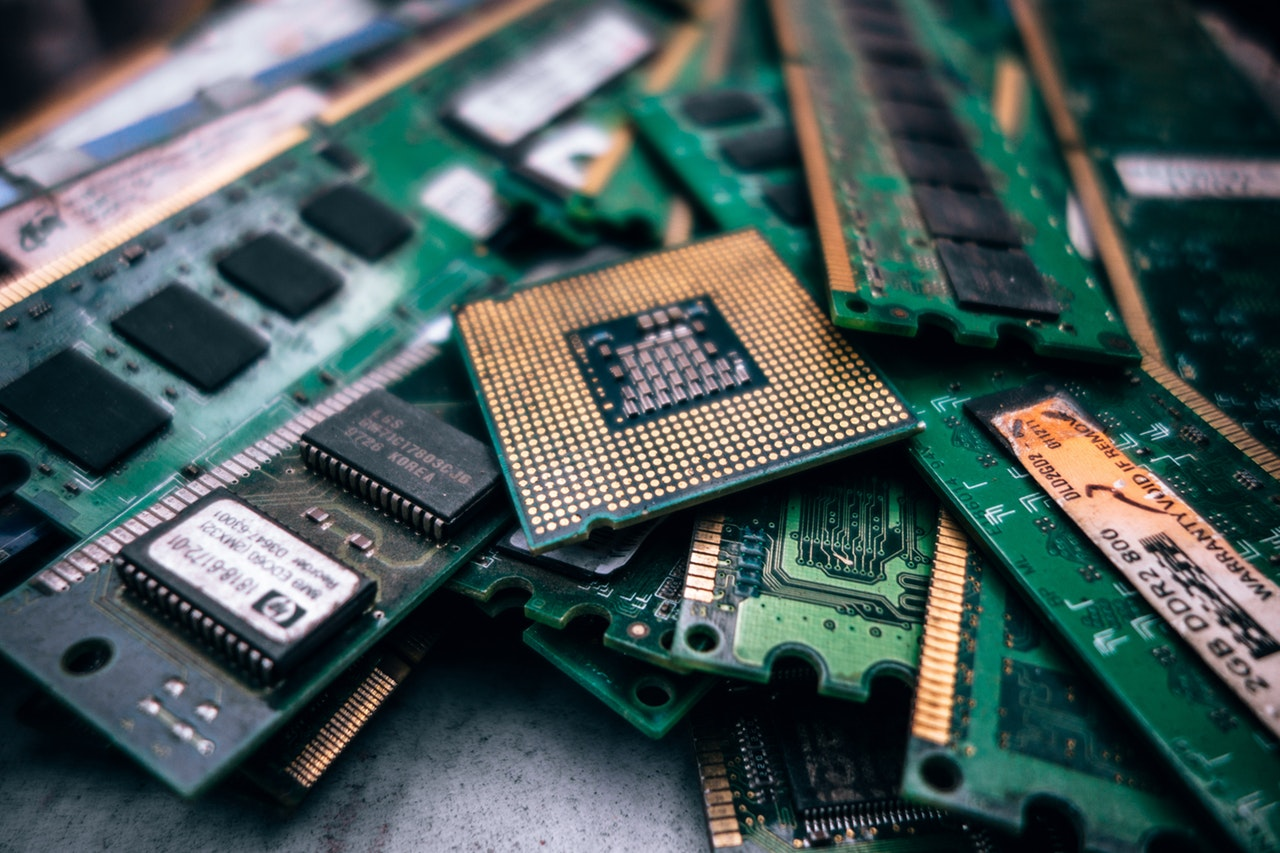 10 Facts PCB Boards Header Image
