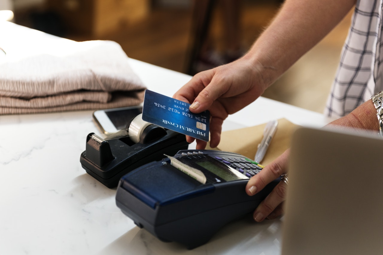 Company Credit Cards Payments Article Image