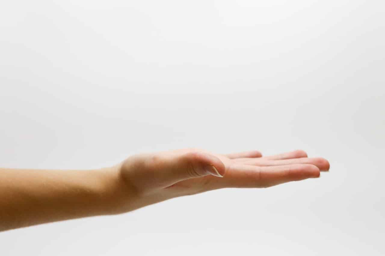 11 Dry Eyes Skin Tips Article Image