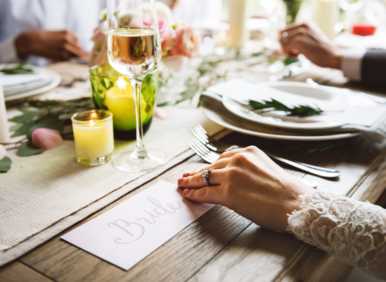 Cook Yourself Or Choose A Wedding Caterer? [Infographic]
