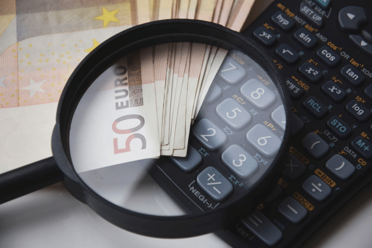 Money Loan Pros Cons Header Image