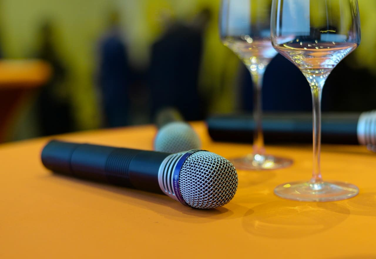 Wireless Microphone Tips Article Image