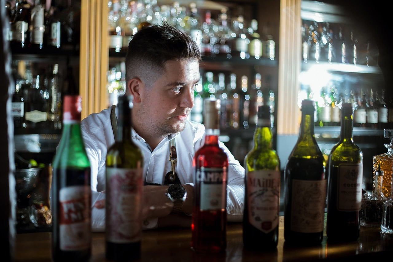 10 Equipment Bartender Article Image