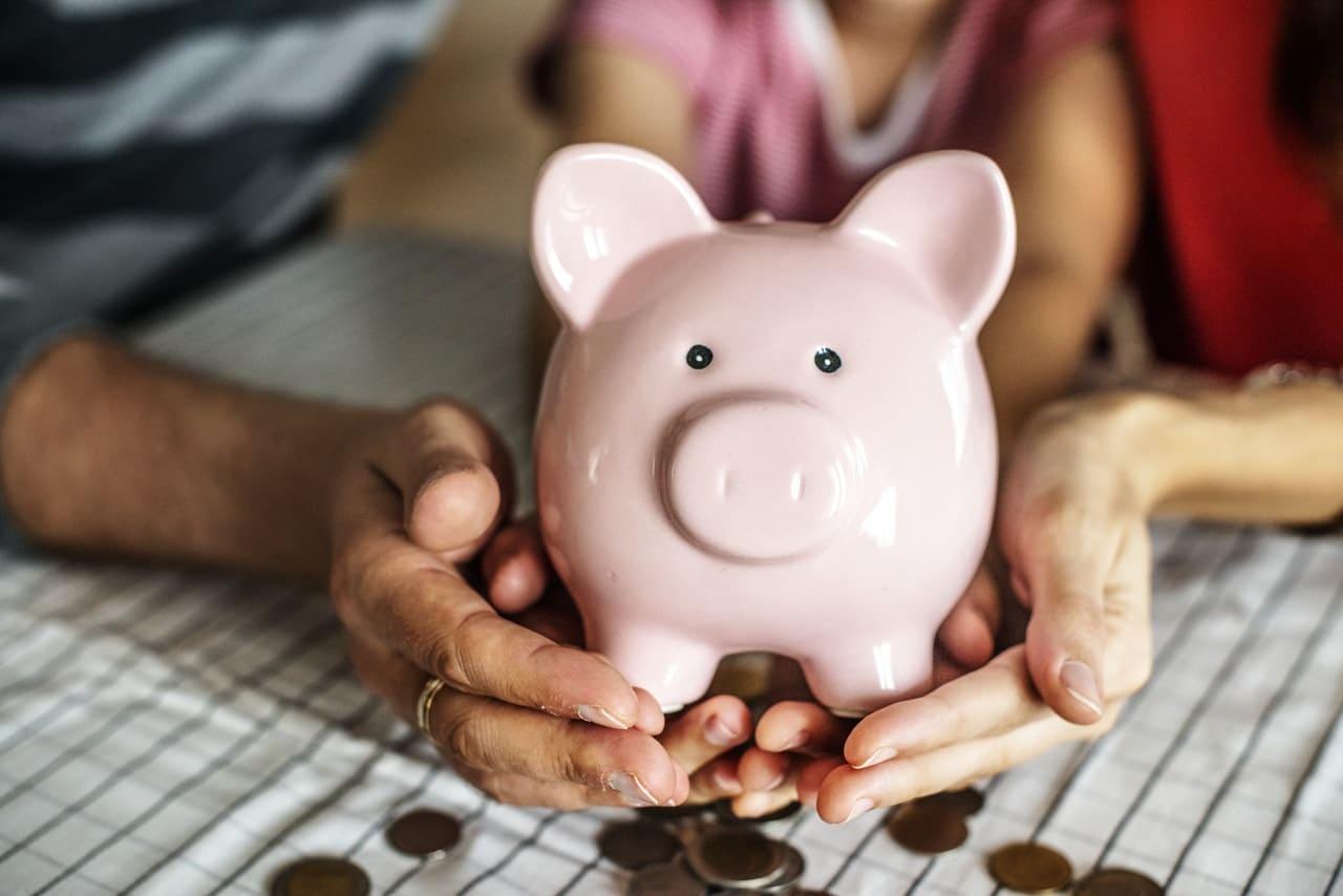 Saving Money Tips Minneapolis Header Image