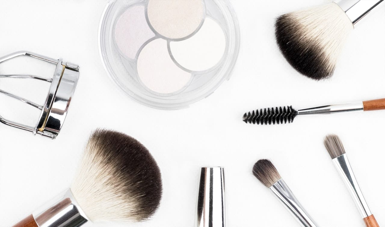 10 Home Tips To Easily Remove Long-Wear Makeup