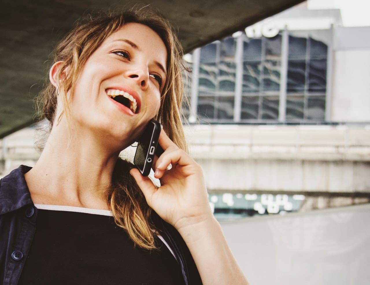 5 Ways Save Cell Phone Bill Header Image