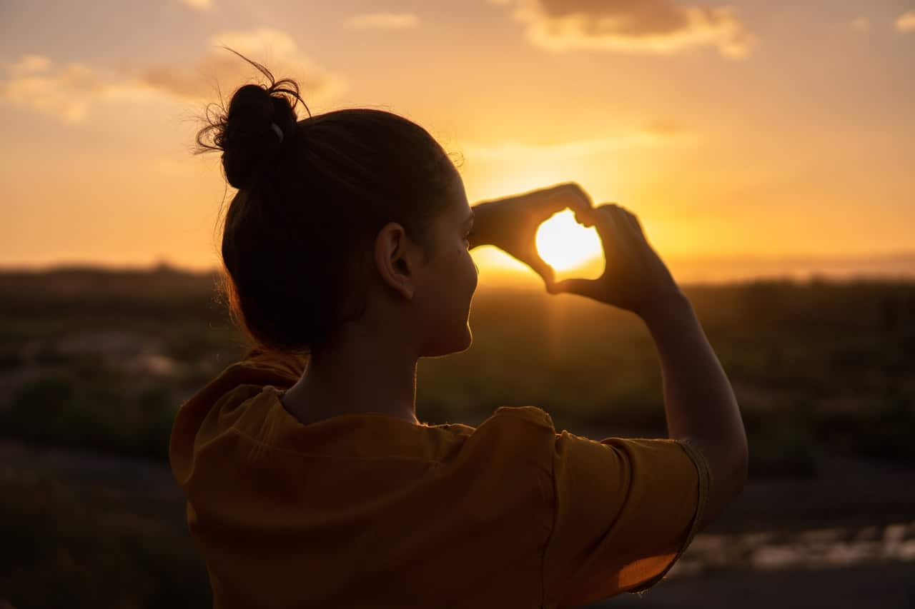 7 Ways Positive Energy Header Image