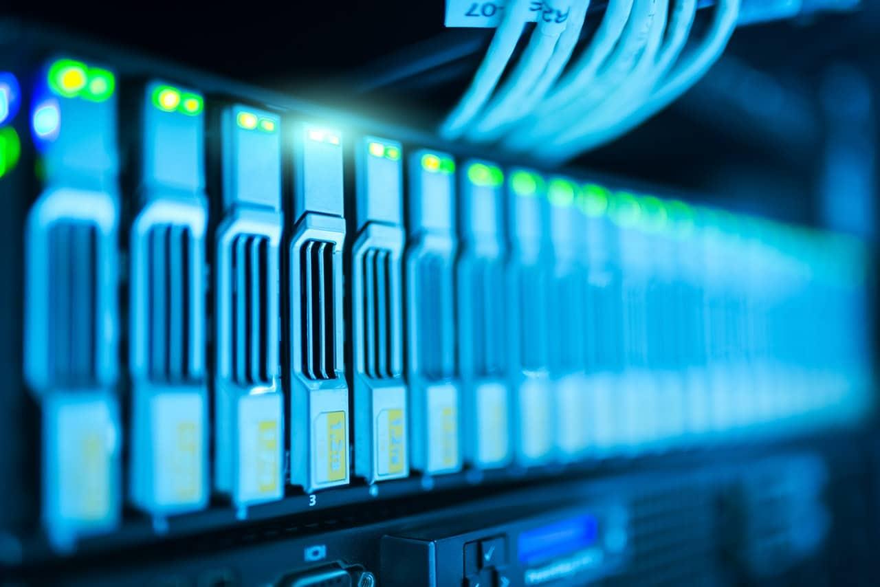 8 Security Tips Server Header Image
