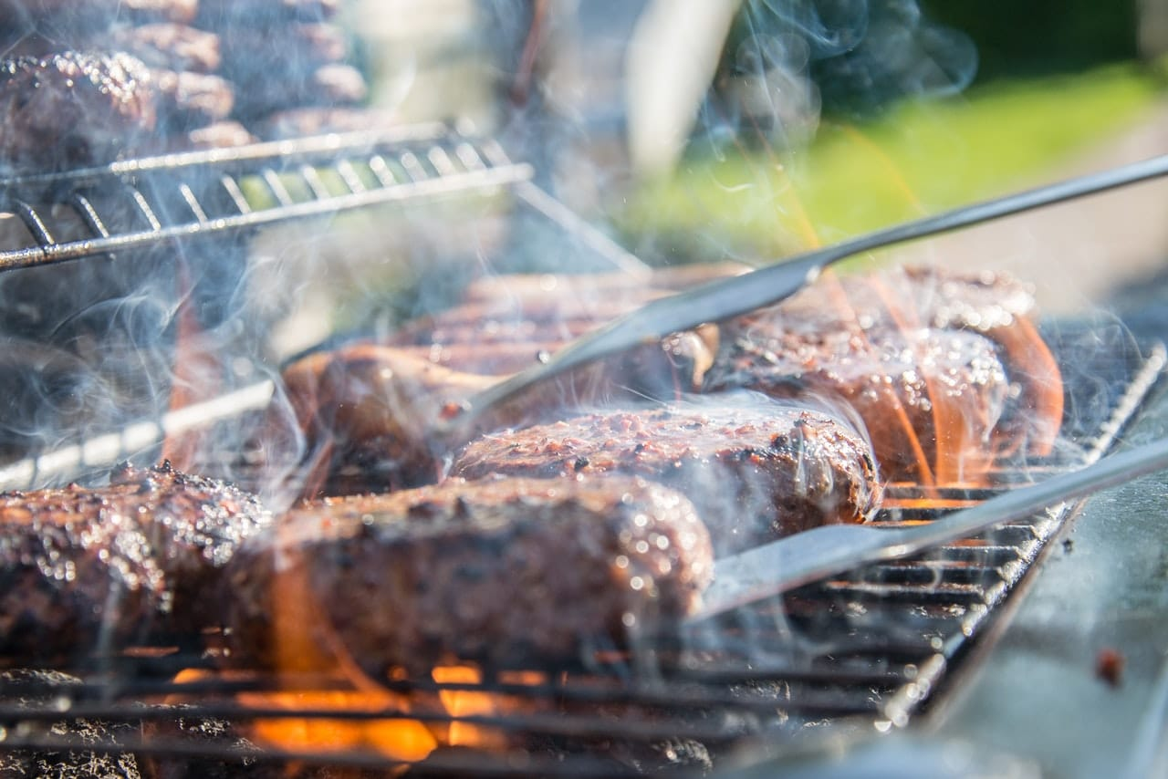 The Battle Between Smoking And Grilling Meat