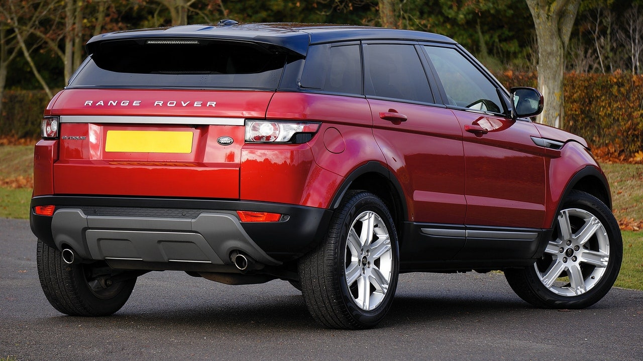 Car Insurance Price Factors Article Image