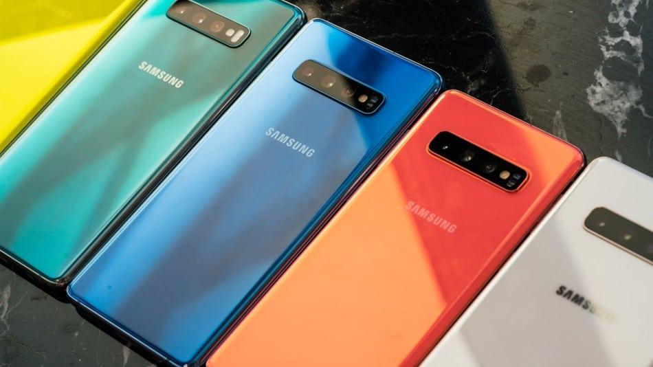 Galaxy S10 Smartphone Header Image