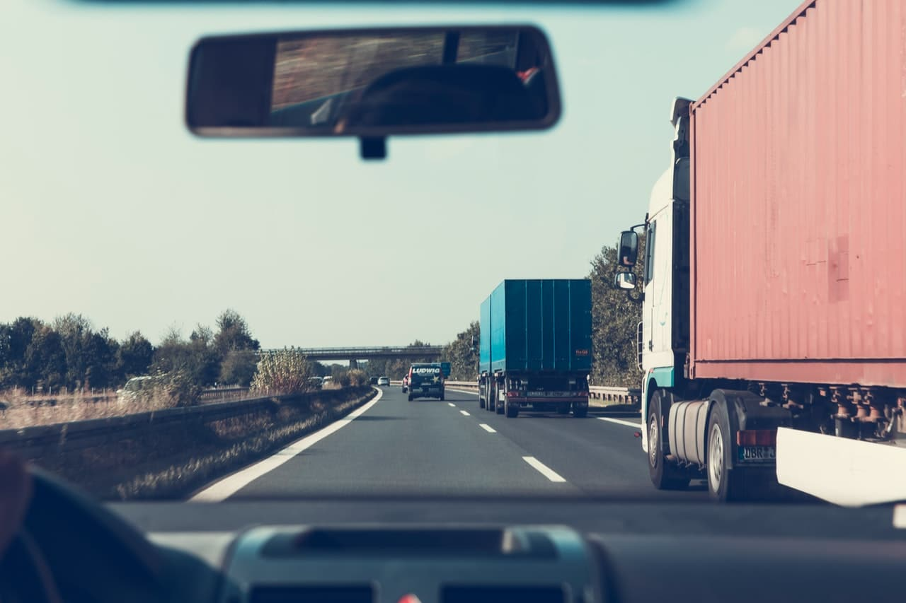 Problems You Need To Overcome When Starting A Trucking Business
