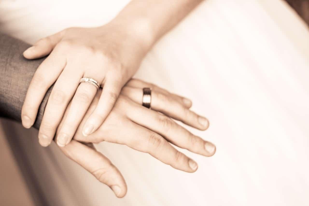 Wedding Engagement Social Media Post Article Image