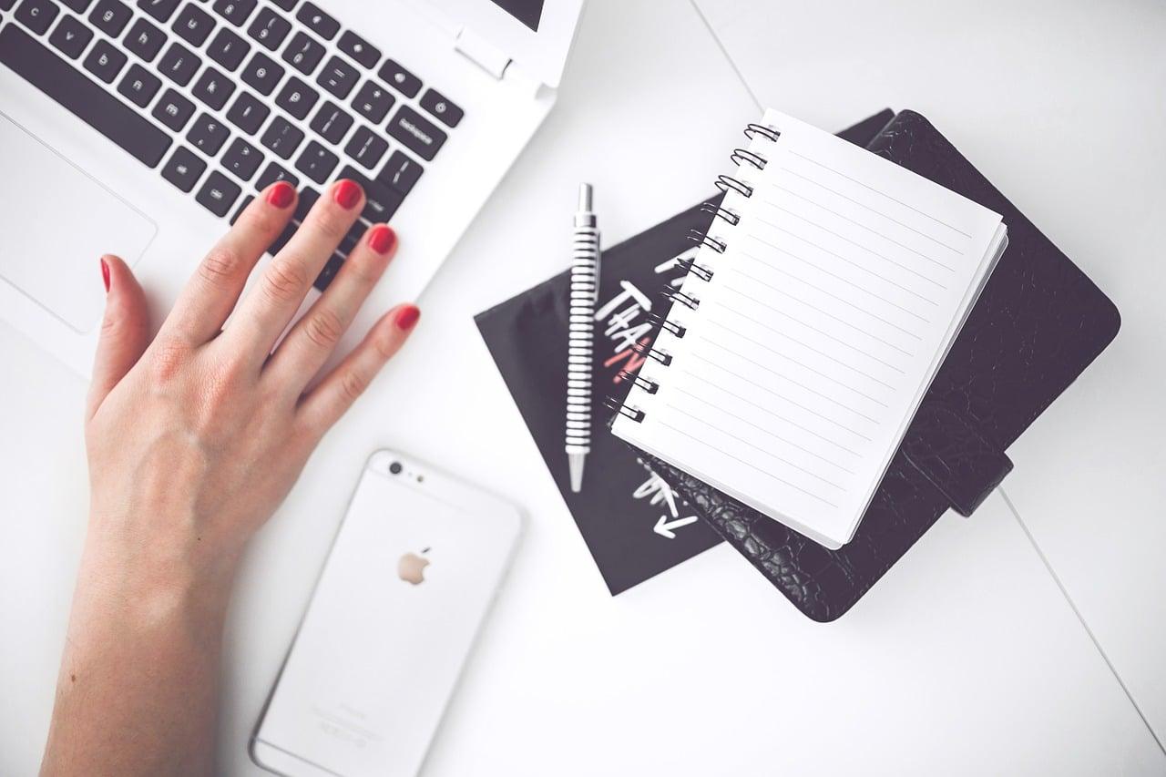 5 Reasons Company Blog Reading Header Image