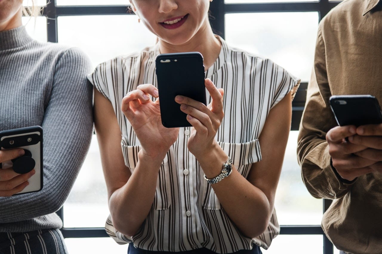 6 Apps Professional Communication Article Image