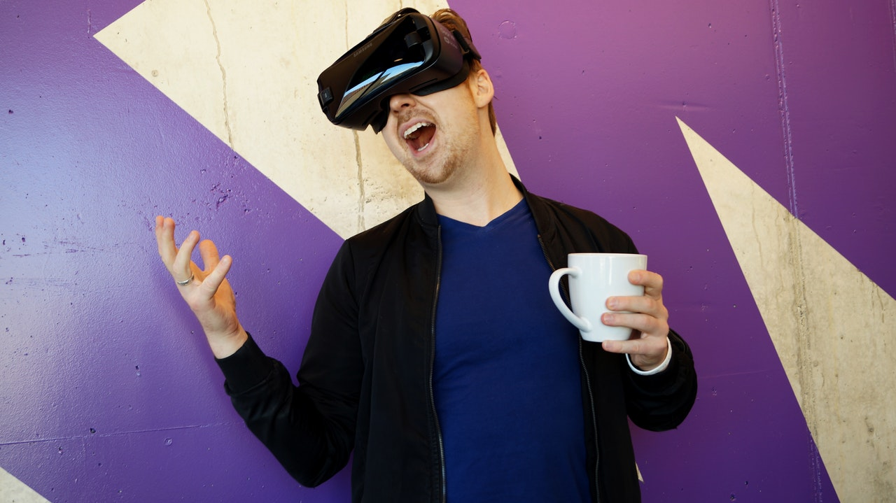 Augmented And Virtual Reality And How Brands Benefit From Using These Technologies