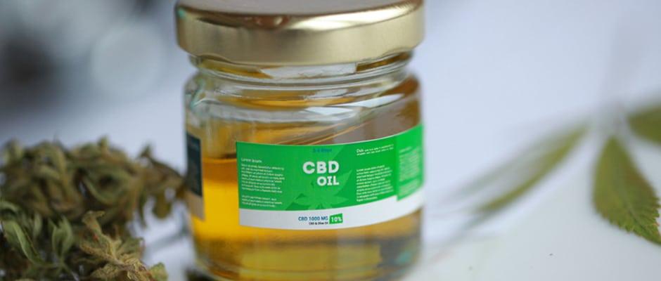 CBD Oil Plane Legal Article Image