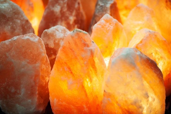 Himalayan Salt Lamp Design Article Image