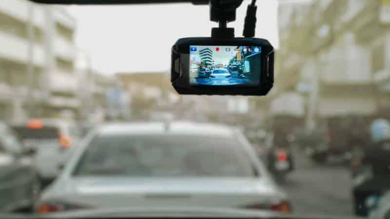3 Tips Buy Dash Cameras Header Image