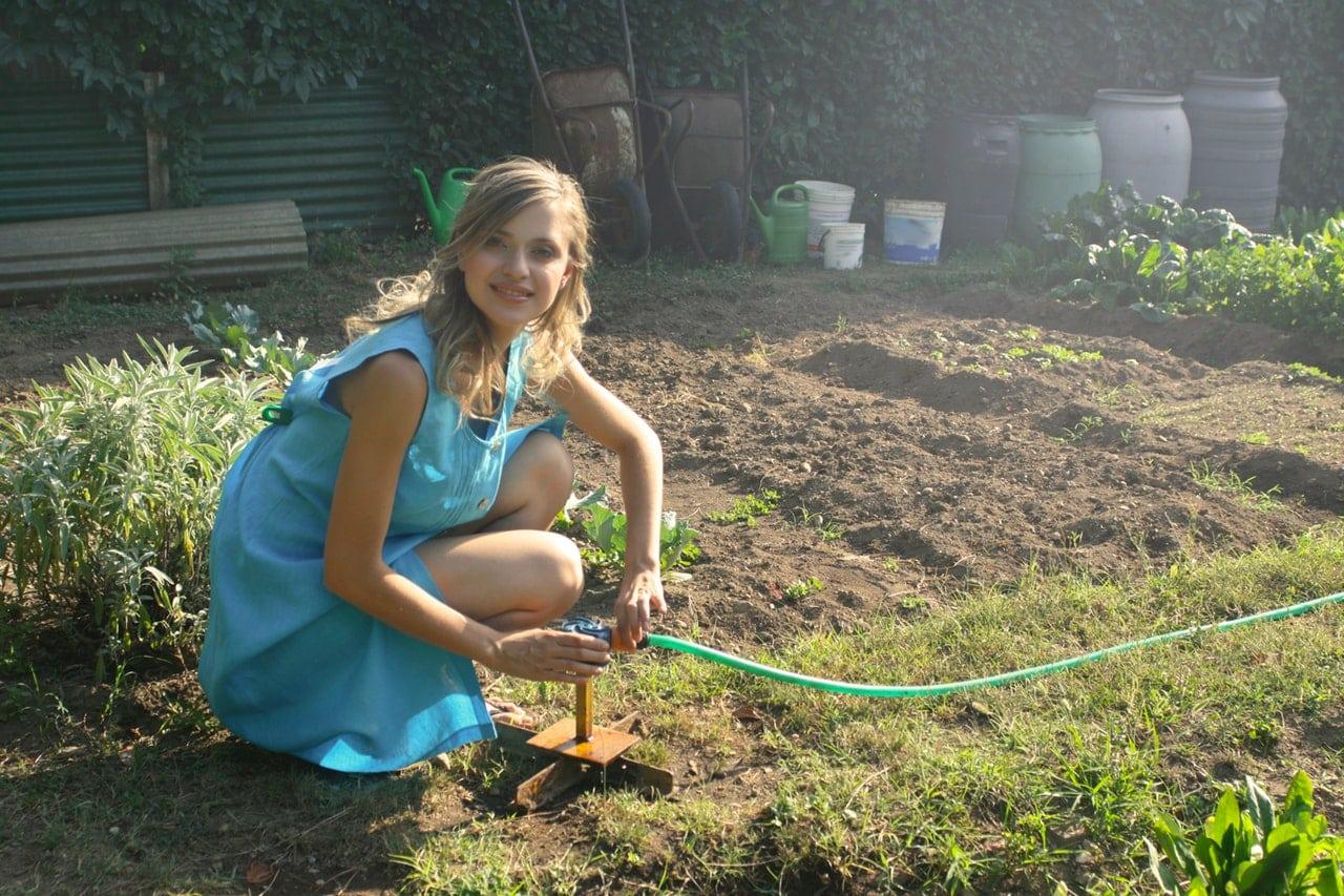 Advantages Plastic Garden Article Image