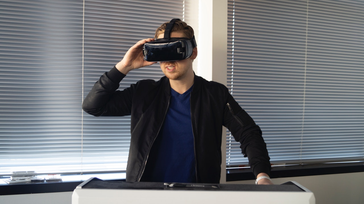 Full Body VR Gaming Experience Article Image