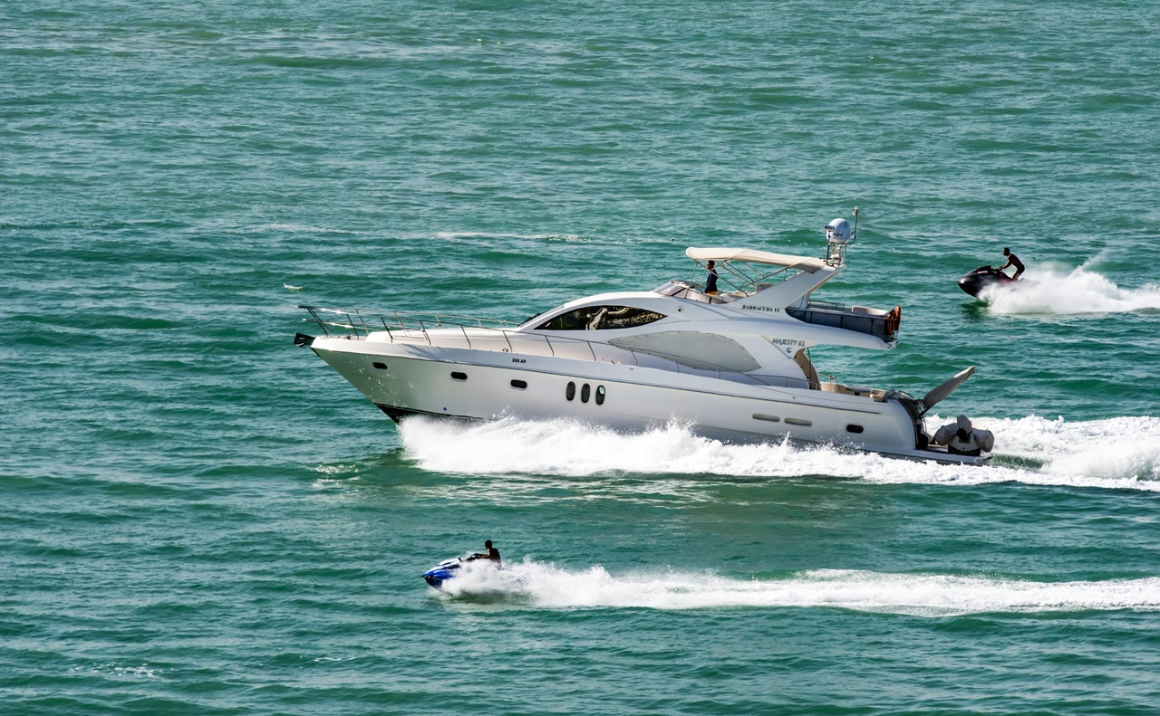 Tips Buying Yacht Article Image