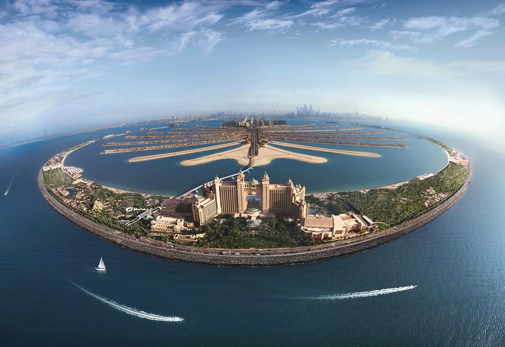 Top Luxurious Hotels World Header Image