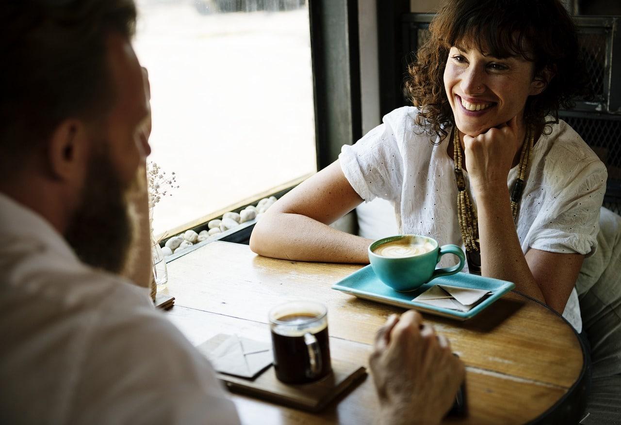 Traits Good Conversationalist Article Image