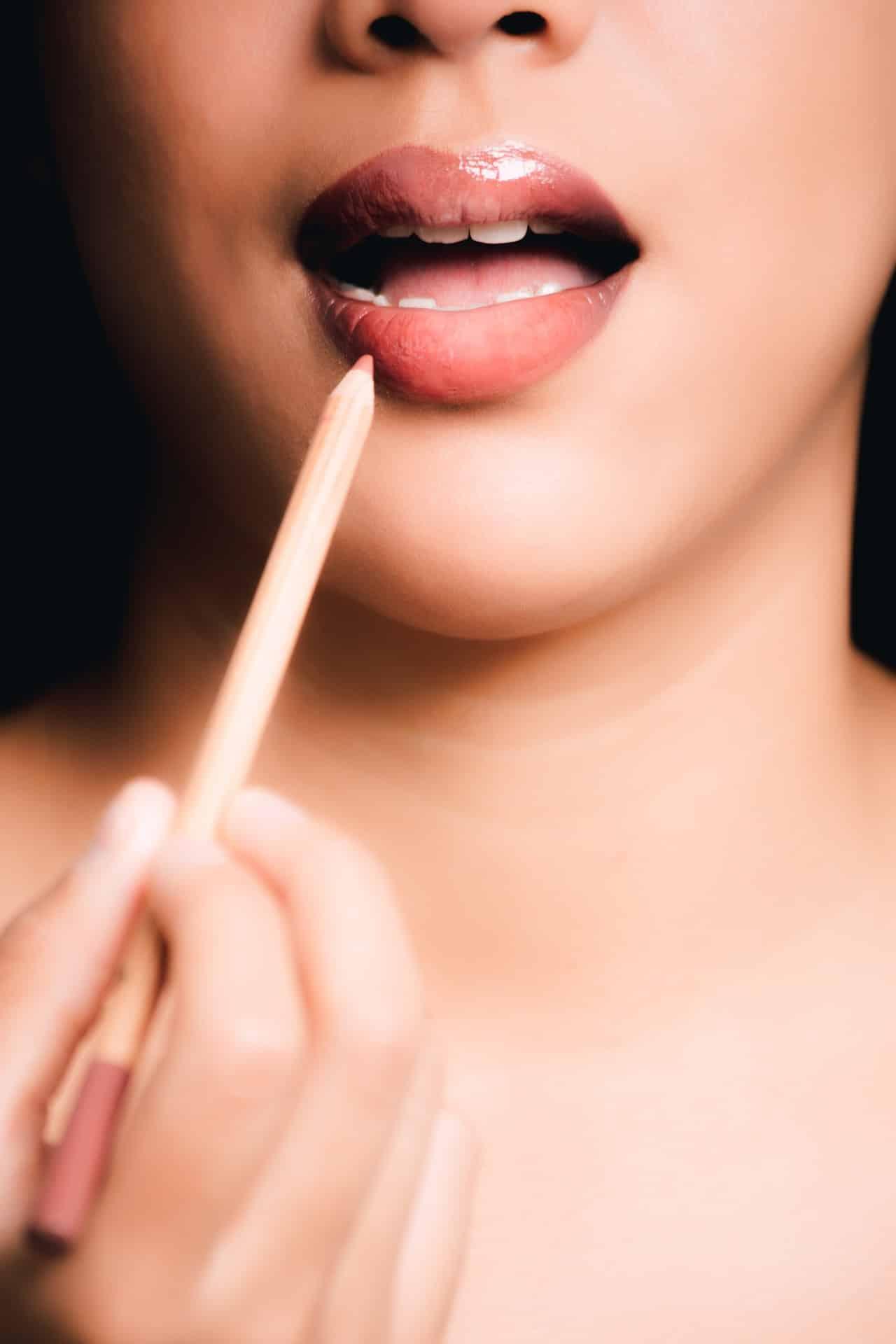 Tips Makeup Artist Article Image