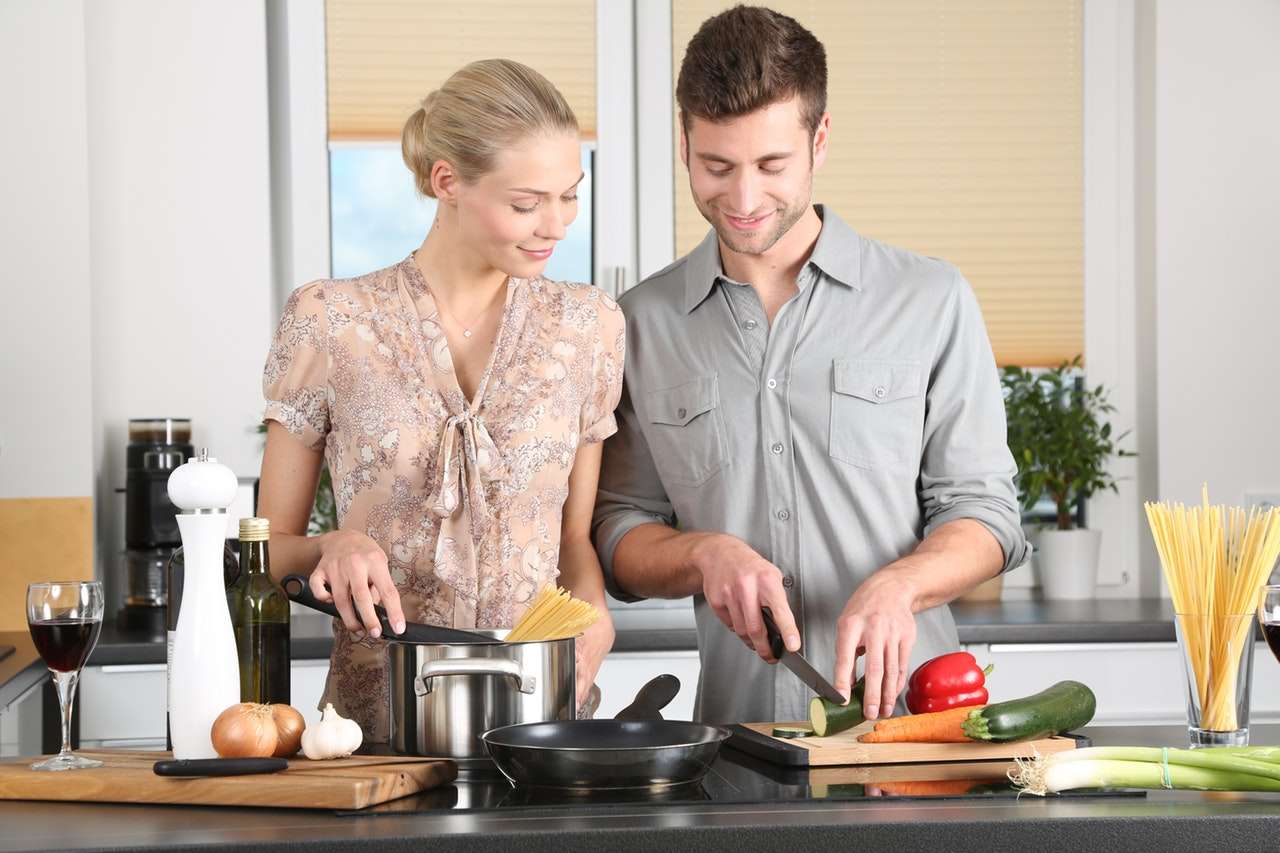 10 Reasons Cooking Home Header Image