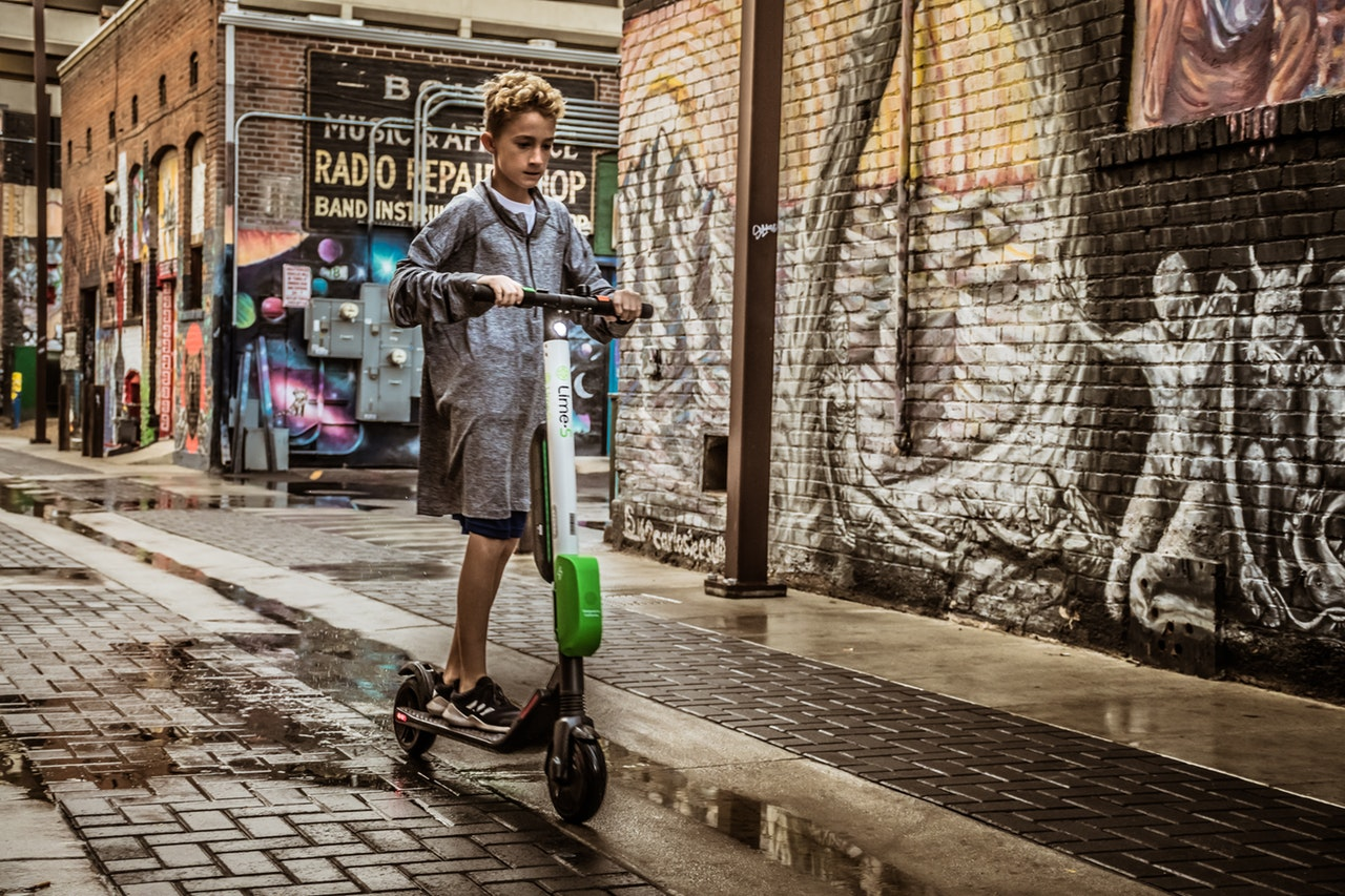 5 Questions Buying Scooter Header Image