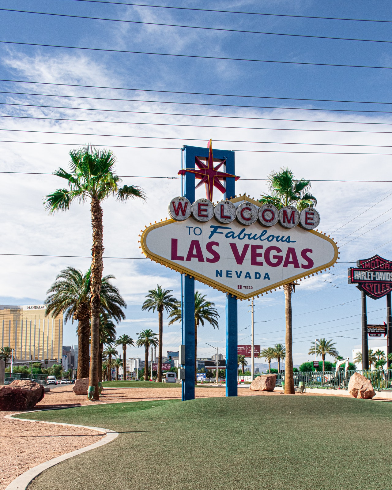8 Experiences Vegas Header Image