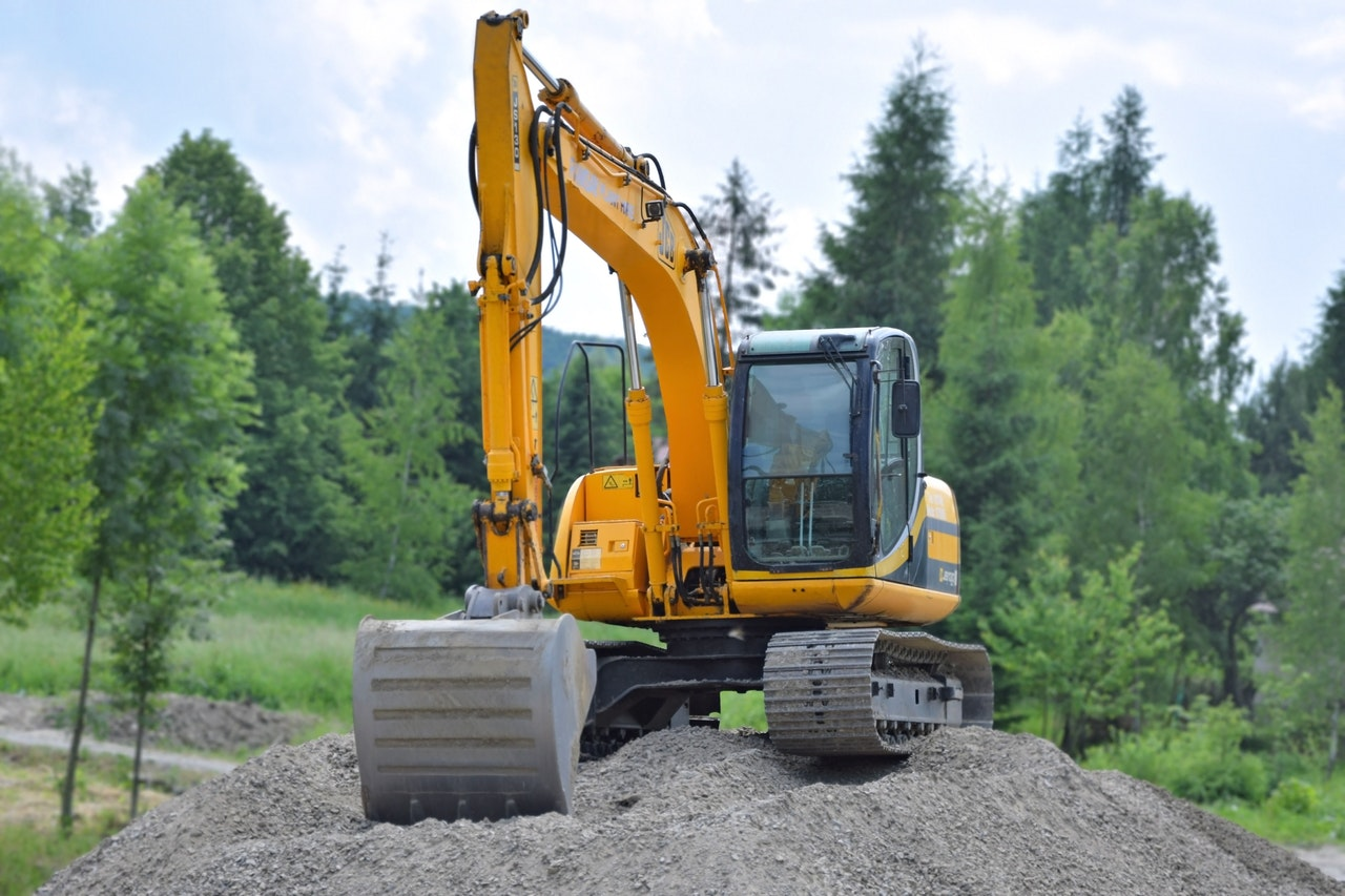 Benefits Buying Excavator Header Image