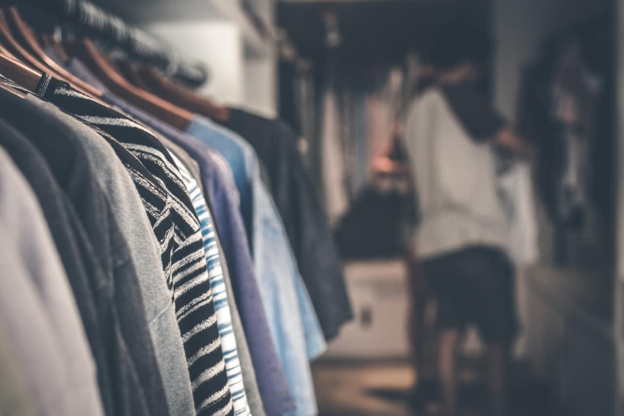 12 Management Techniques Retailers Header Image