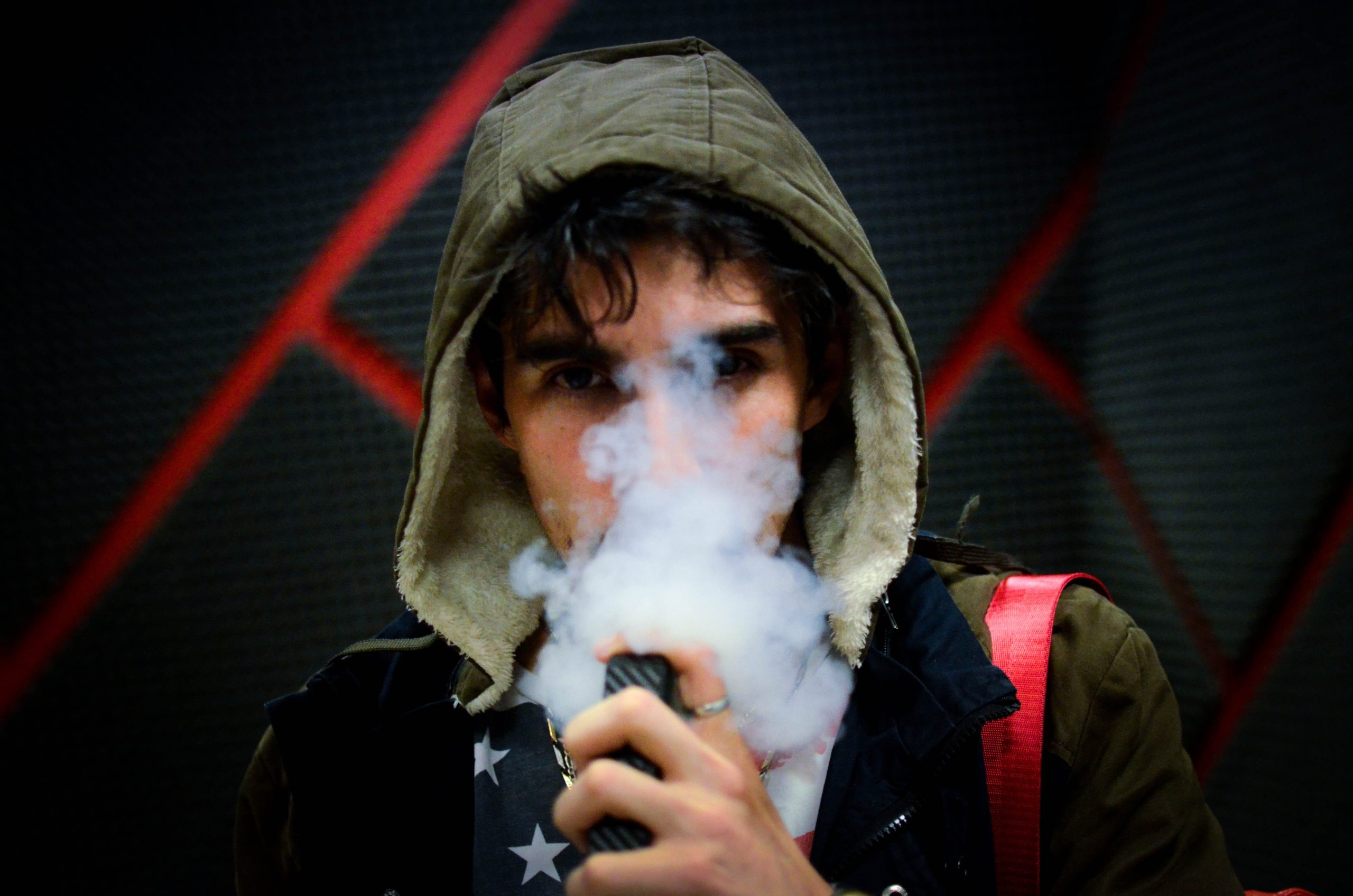 Vaping vs Smoking – Getting Started The Right Way