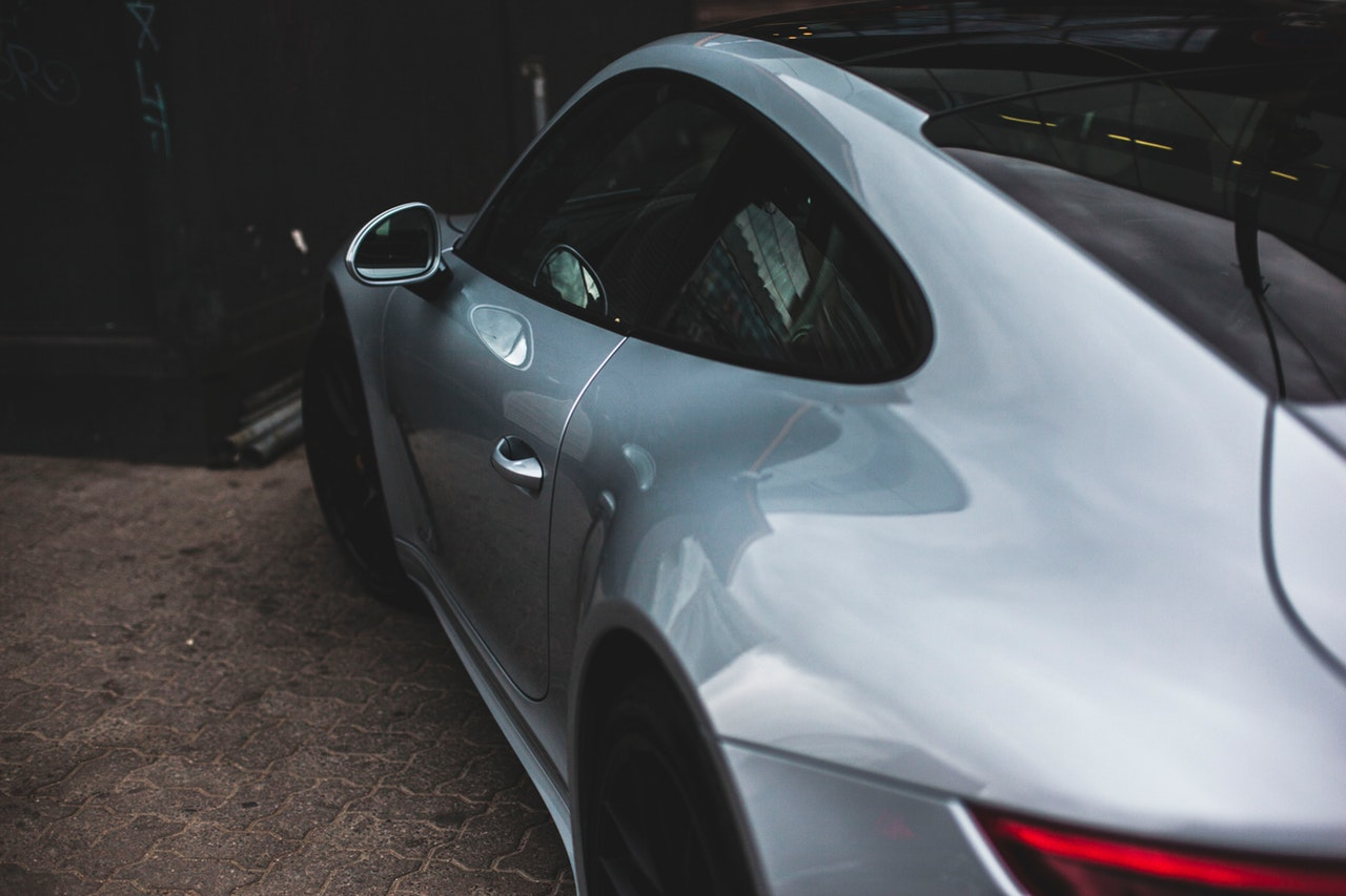 7 Reasons Buy Sports Car Header Image