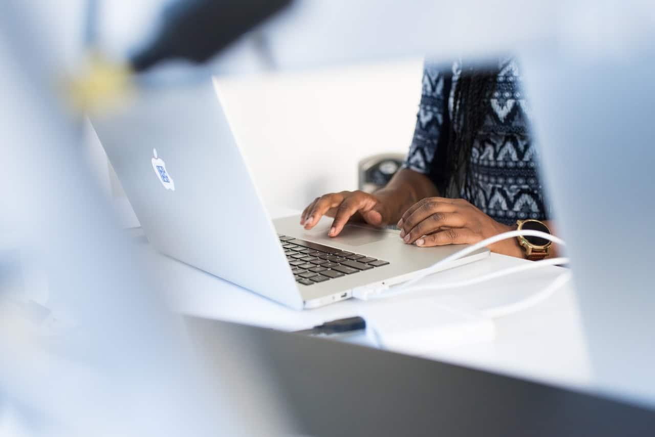 Tips Write Resume Header Image