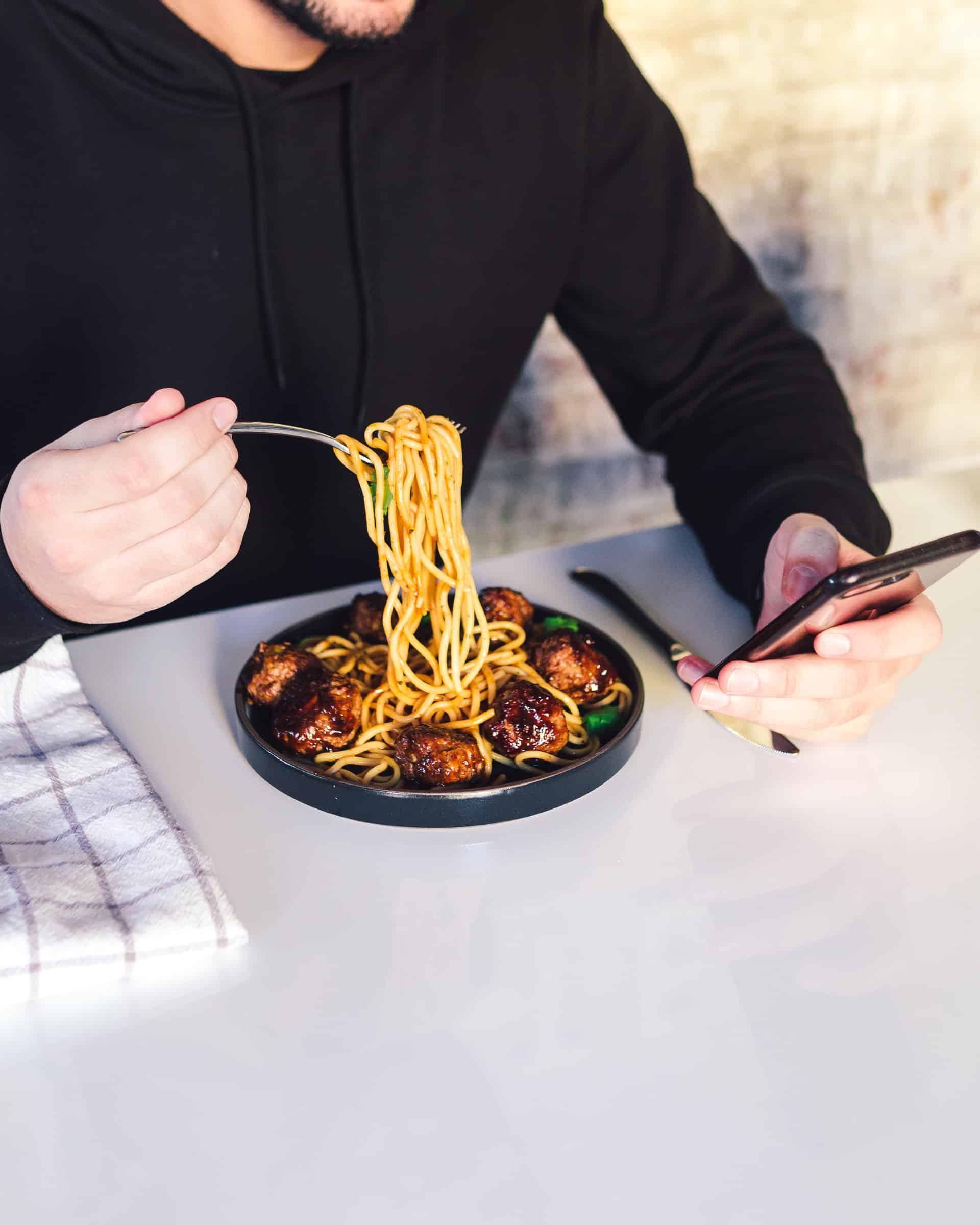 Heartburn Meds Meals Article Image