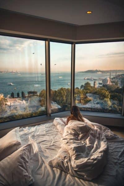 Heavy Blankets Lifestyle Image2