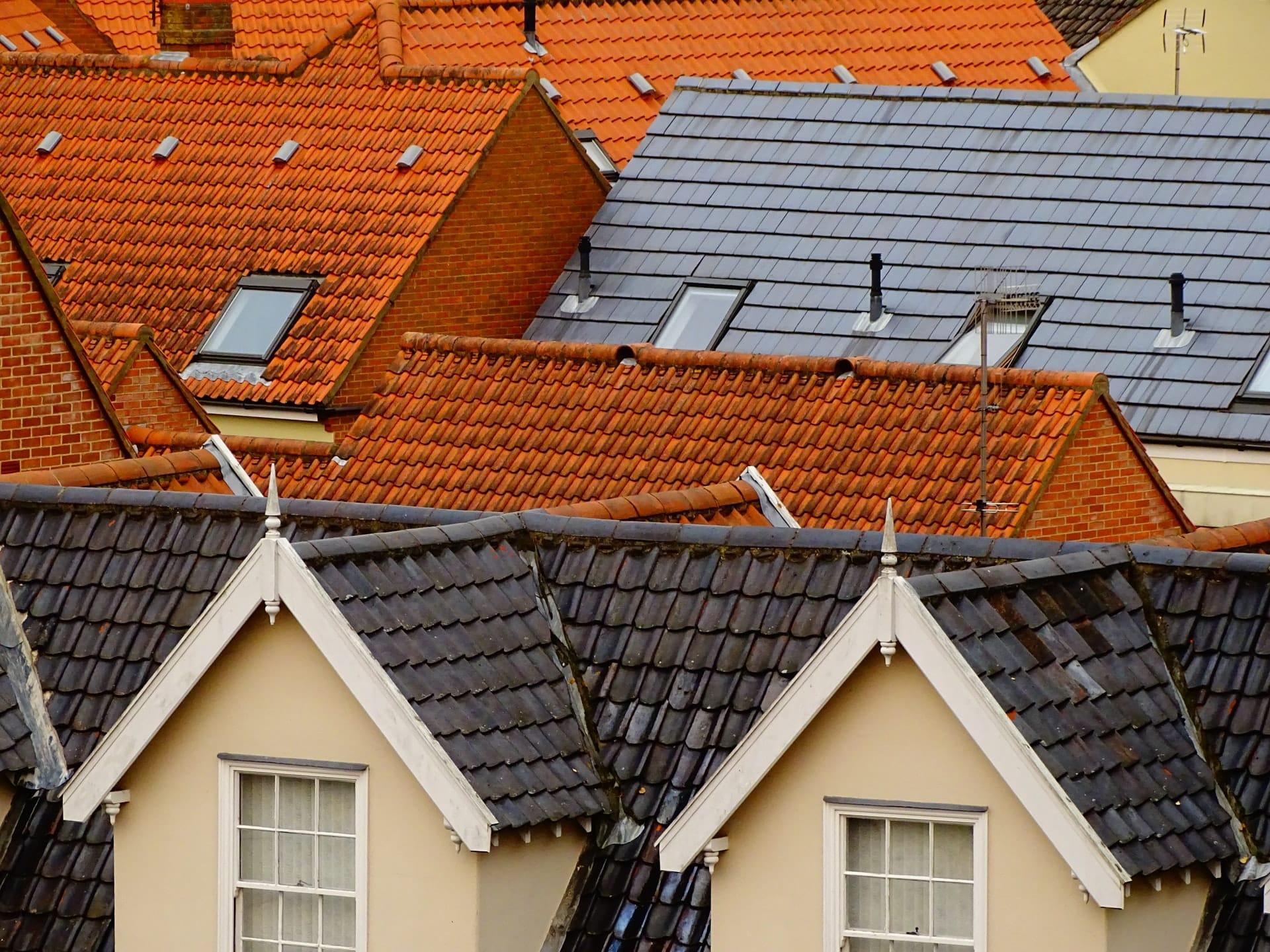 4 Ways Prevent Weather Damage Roof Header Image