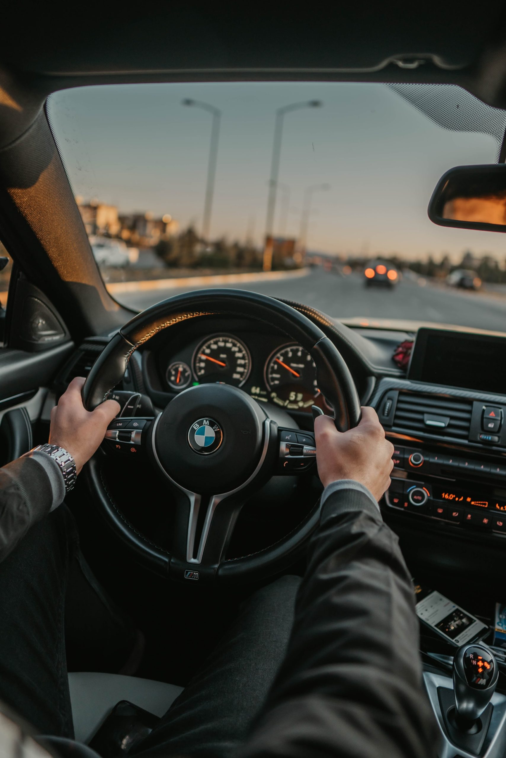 How Rent Car UAE Article Image