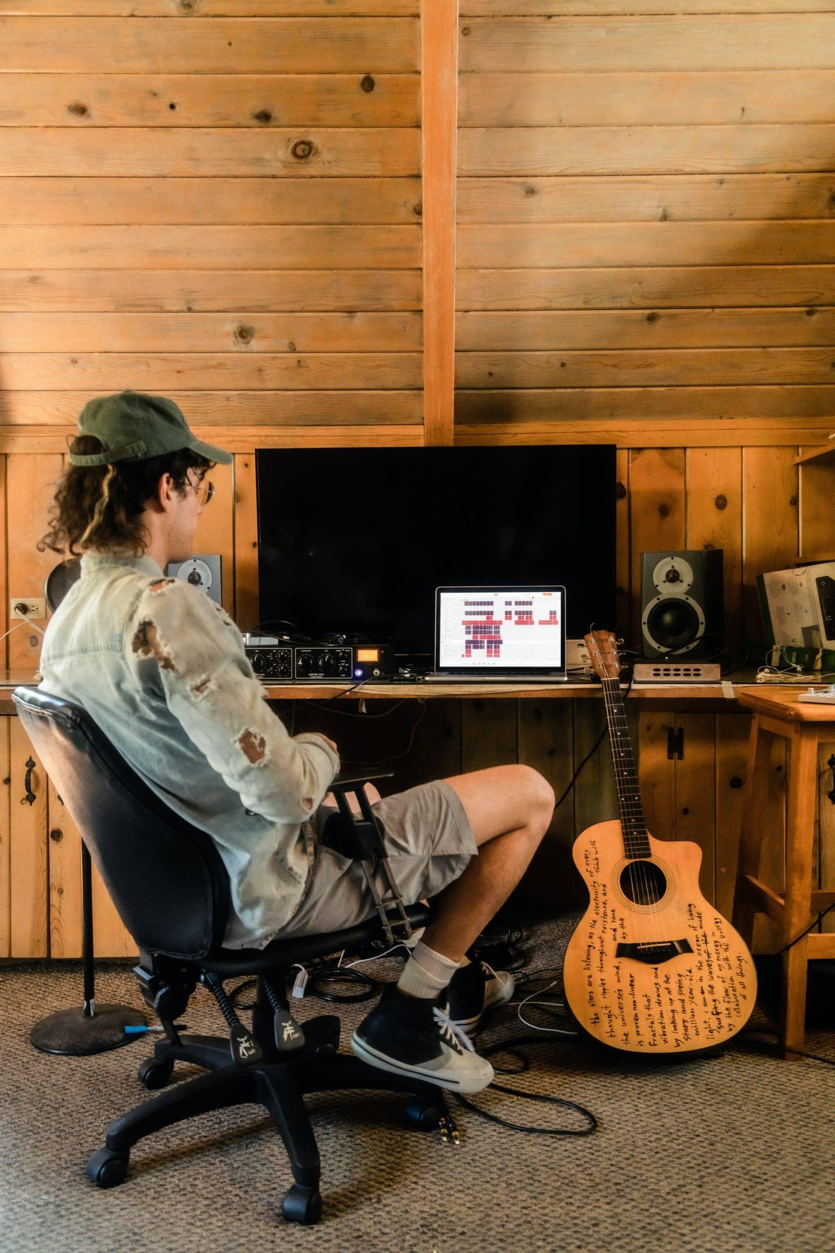 Set Up Home Recording Studio Article Image