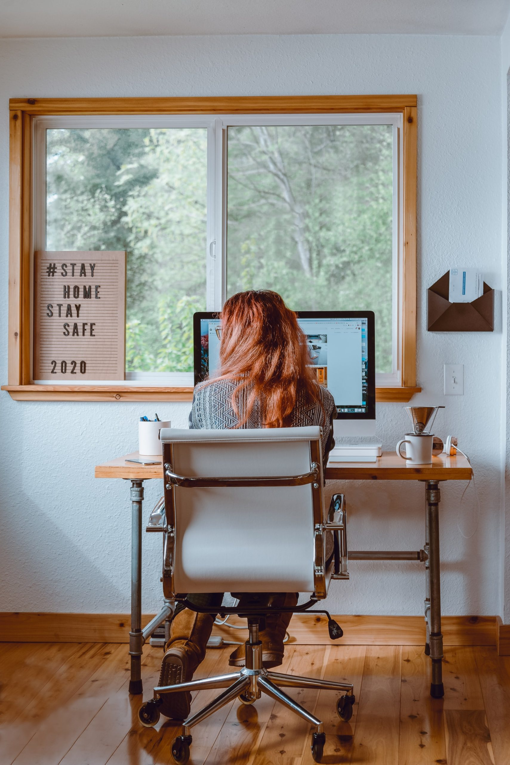 Decluttering Advice Home Office Article Image
