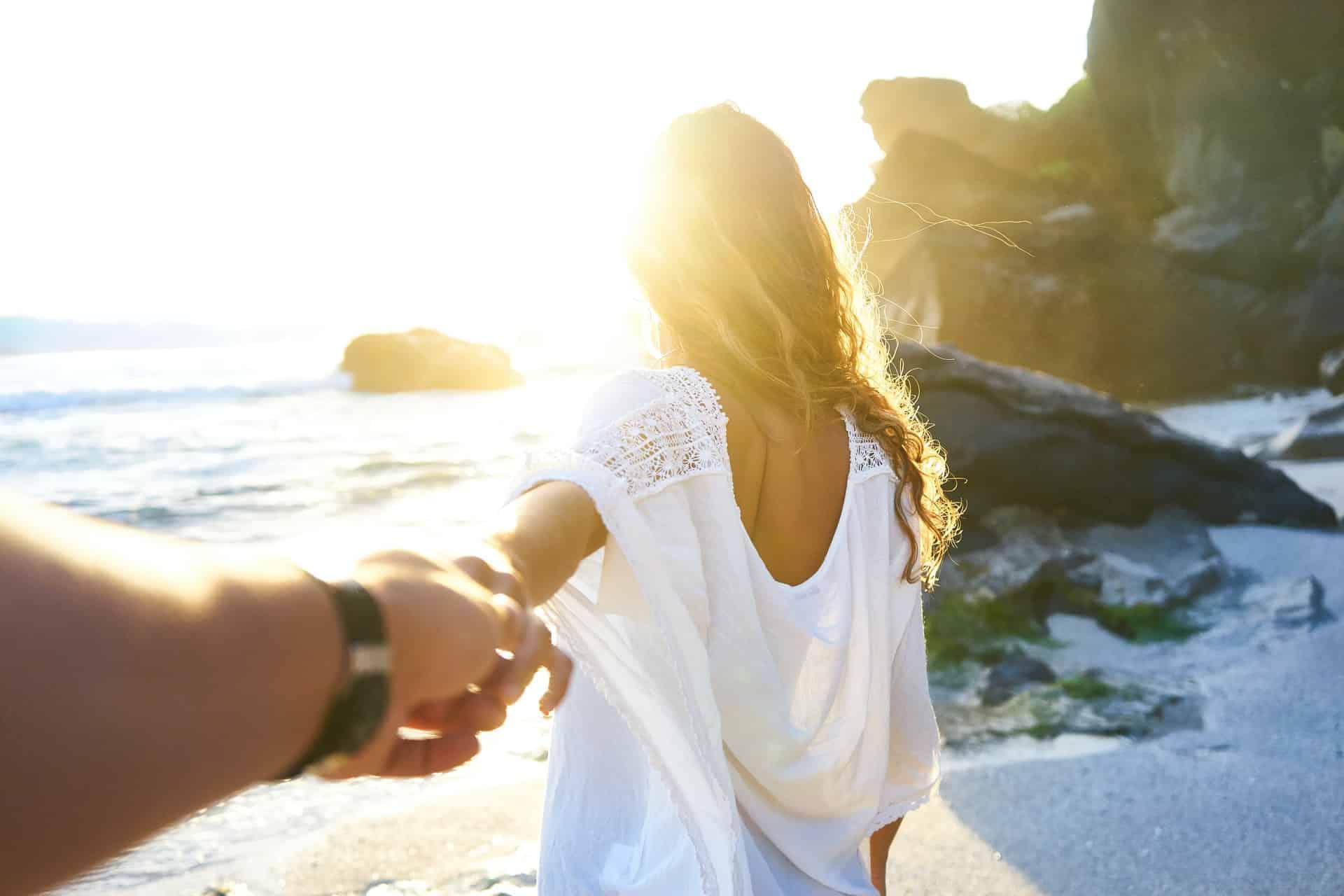 Planning Honeymoon Need Know Header Image