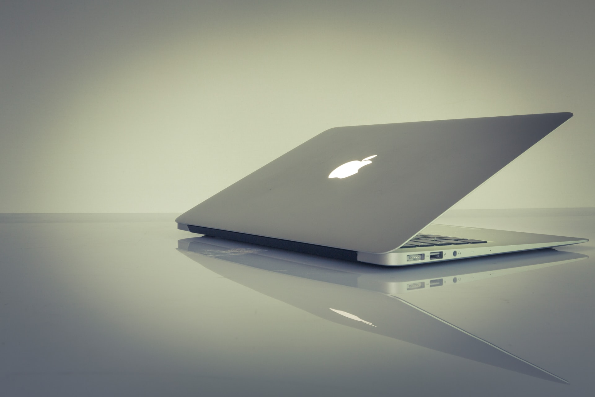 Protect MacBook Theft Header Image