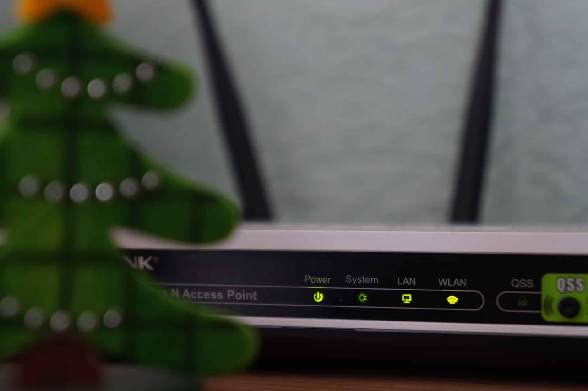 Tips Boosting Wi-Fi Signal Header Image