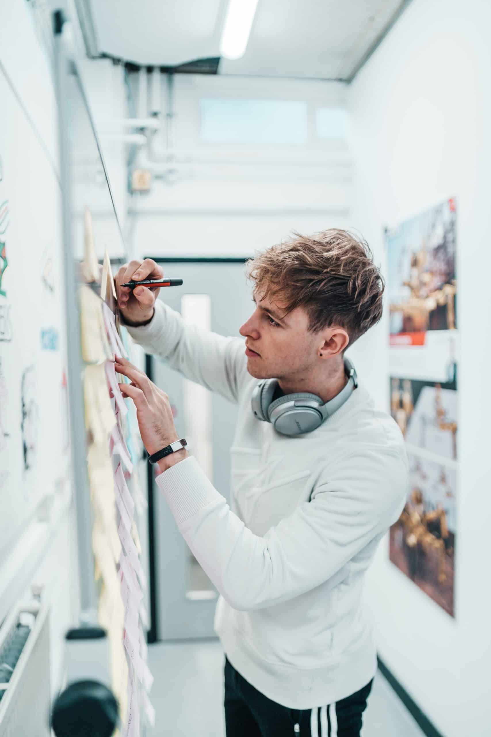 Find Communication Designer Article Image